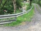 Zakończony został montaż ochronnych barier drogowych.